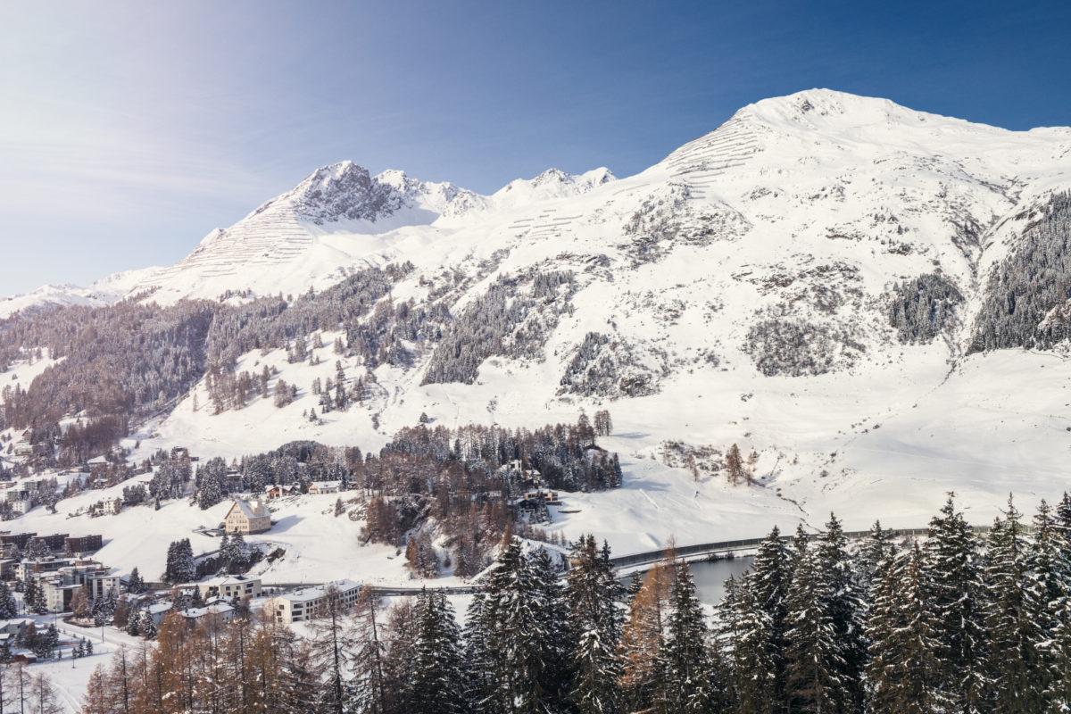 Luxus Apartments Davos mit Hotelservice | SPER Apartments | Aussicht auf Davos Bergwelt